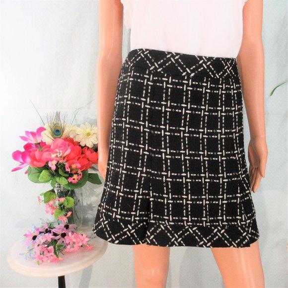 Nanette Lepore Dresses & Skirts - Nanette Lepore Black Cream Pattern Soft Wool Mini
